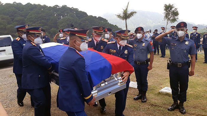 Chief PNP leads funeral honors for slain Igorot cop